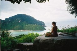 Hayley meditating phiphi